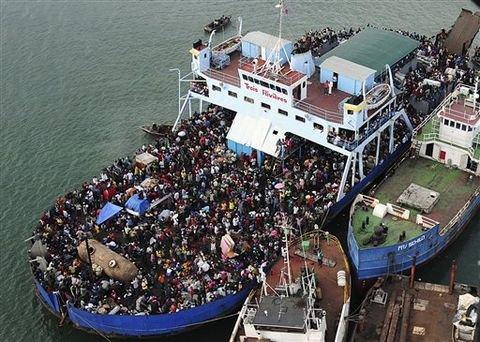 数以千计海地灾民逃离太子港 奔他乡找食物