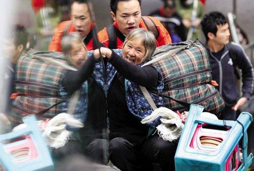 珠三角企业担心民工返乡后一去不回(组图)