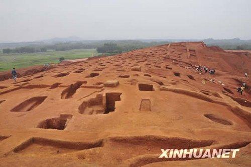 广州发现大型先秦古墓群 出土千件文物 - rszx - 容山中学官方博客