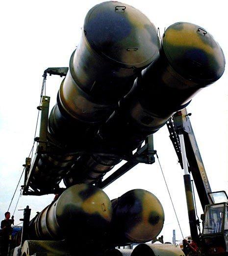 中国重视要地防空 最新式导弹现身上海