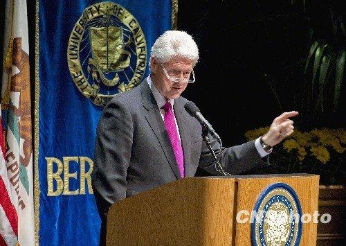 美前总统克林顿女儿_美前总统克林顿手术后公开演讲场面火爆