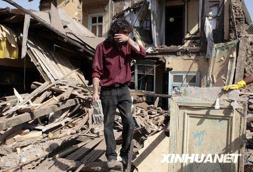 智利地震已造成300人死亡海啸预警解除
