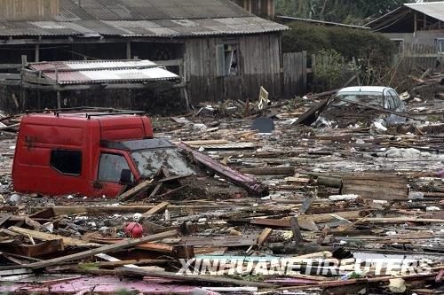 智利地震幸存者讲述惊魂时刻
