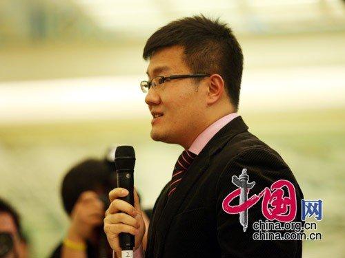 图文:中国国际广播电台和国际在线网记者提问