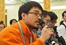 图文:道琼斯通讯社记者提问