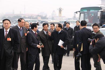 花絮:政协开幕式上的代表们(组图)