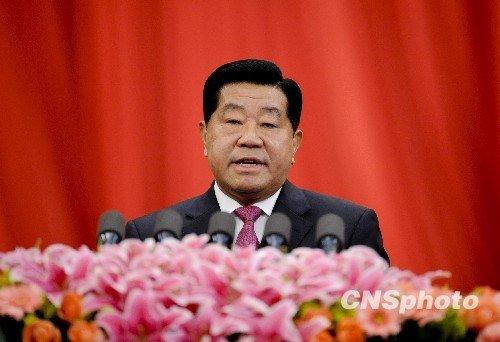 月3日,全国政协十一届三次会议在北京人民大会堂开幕,全国政协主席贾庆林作全国政协常委会工作报告(廖攀摄)