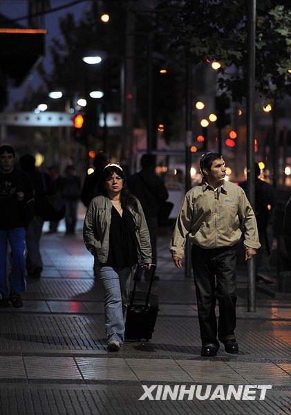 智利地震:首都秩序正常