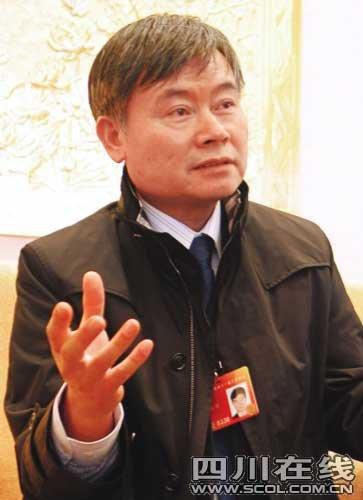 委员蔡继明:房价增幅1.5%是误导百姓(图)