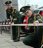 """组图:首批""""两会""""安保执勤官兵进驻执勤点"""