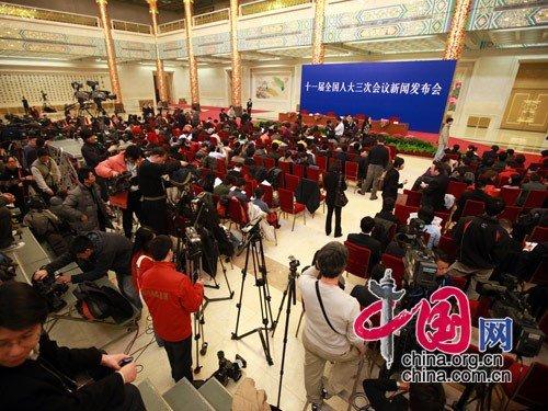 李肇星:2010形成中国特色社会主义法律体系