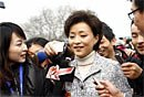 图文:杨澜建议春晚植入广告应适可而止