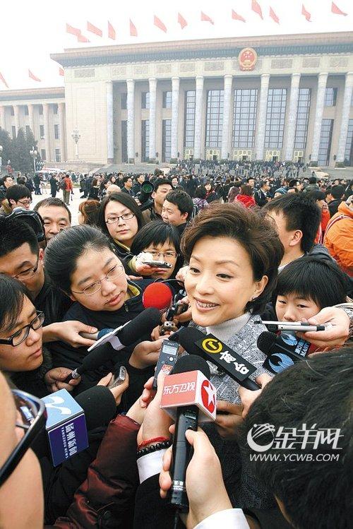 记者谈媒体大战感受:刘翔果然只讲两句话