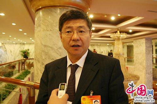 宁夏中卫市长徐力群:双轮驱动新型工业化
