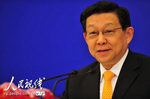 图文:商务部部长陈德铭答记者提问