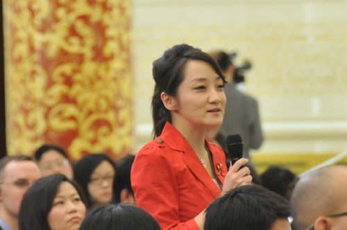 图文:北京电视台记者提问