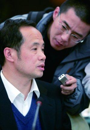 王利明:人大应制订土地征收征用法
