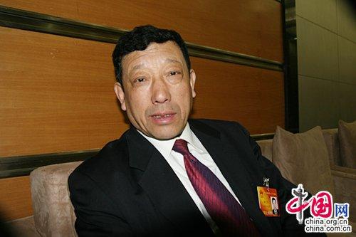 汤爱军:巩固中国乳都 建能源新制度