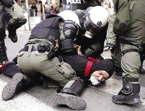 数十名希腊公务员占领政府大楼(图)