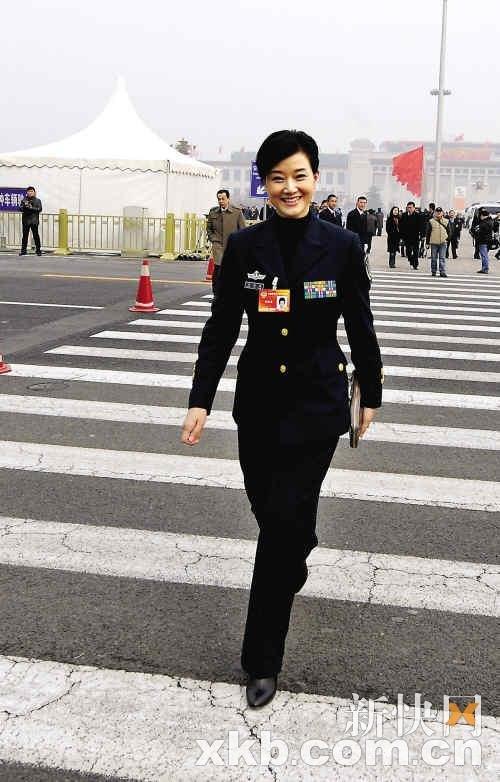 两花絮:男人领奖冰壶干活女队女人中国美女图片