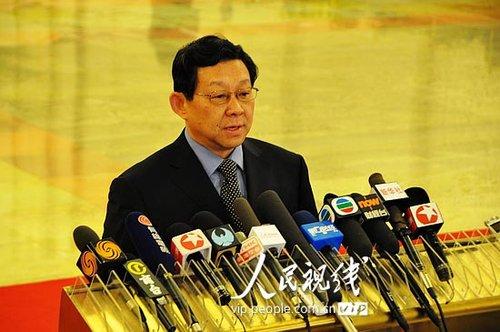 图文:商务部部长陈德铭答记者问