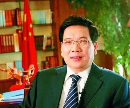 秦光荣:四项制度推进服务型政府建设