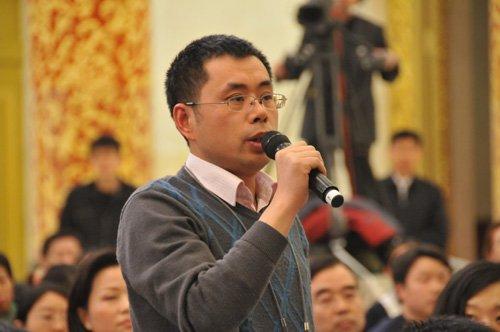 图文:农民日报记者提问