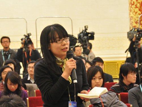 图文:中国商报记者提问