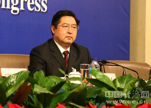 全国人大代表,新疆和田地委书记程振山.姜帆 摄