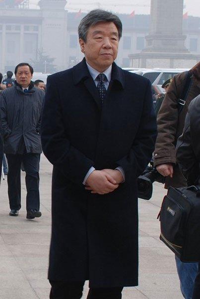 全国人大代表、河南省委书记 卢展工