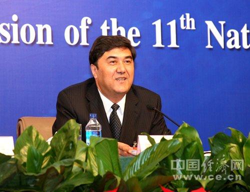 新疆自治区主席:加快新型工业化进程