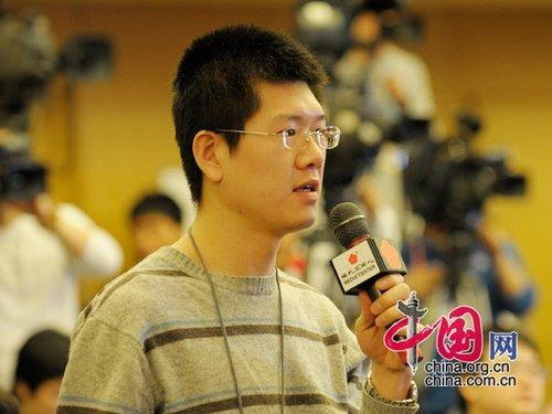 图文:国际广播电台记者提问