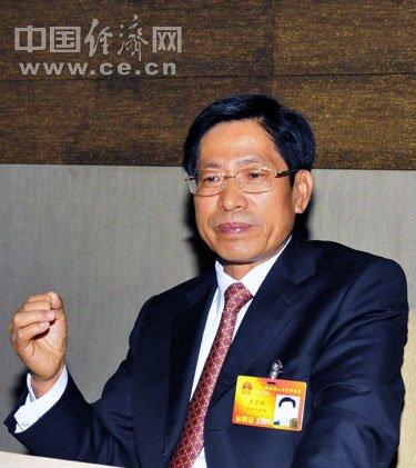 云南教育厅厅长:政府应大力扶植职业教育