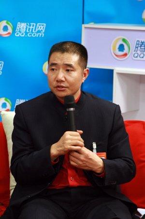 俞学文代表:改革教育体制  推进教育公平