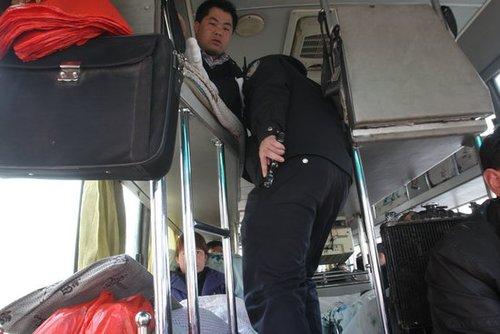兰州全城戒严抓捕持枪杀警逃犯(组图)