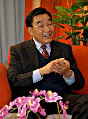 西藏党委书记:深入持久地开展反分裂斗争