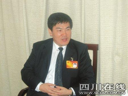 广元市委书记:城市外来人口超50%应设警戒线