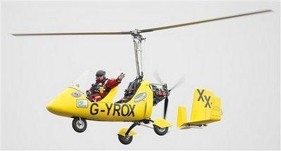 英男子计划驾驶小型飞机环游全球26国创纪录