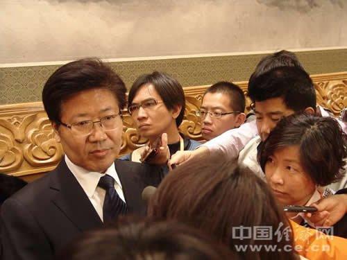 湖南省委书记张春贤在接受中外记者采访 (郭彩萍摄影)