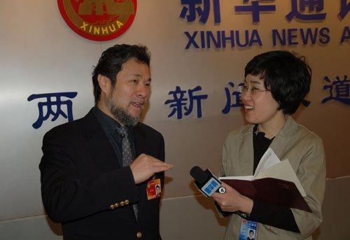 图文:全国政协委员陈维亚接受新华网专访