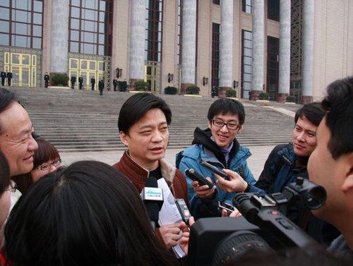 政协委员崔永元:媒体素质太差了!太差了!