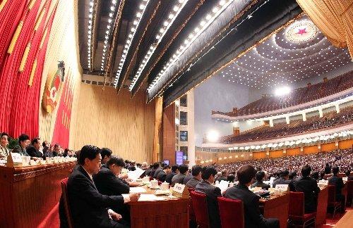 2010年3月13日 全国政协十一届三次会议在北京人民大会堂举行闭幕会 (马占成摄)