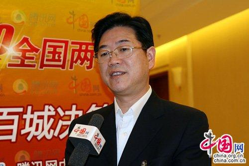 怀化市委书记李亿龙:工业总产值三年再翻番