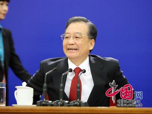 图文:温家宝总理与中外记者见面