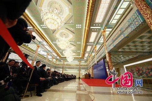 图文:温家宝总理会见中外记者现场