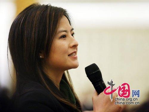 图文:央视记者提问温家宝总理
