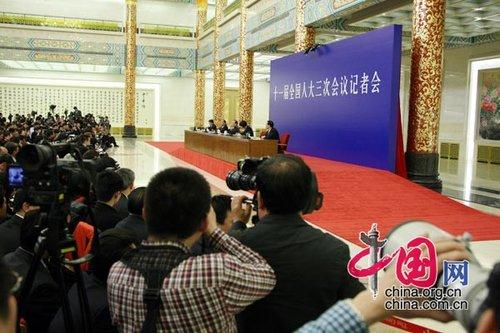 图文:温家宝总理与中外记者见面会现场