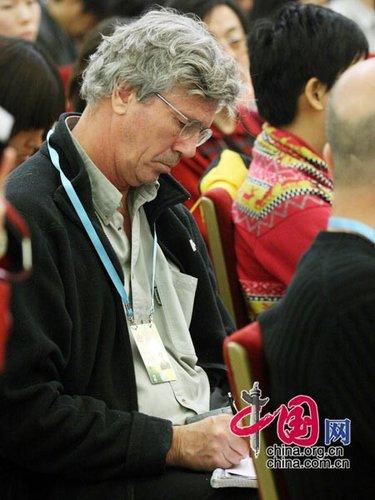 图文:外国记者关注温家宝总理答记者问