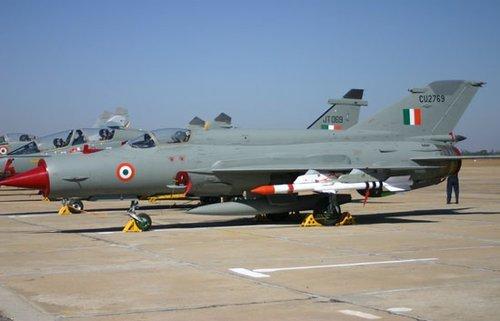 美媒:印度军购频频流产 装备不敌中国(组图)
