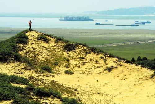 鄱阳湖建坝:院士被招安?
